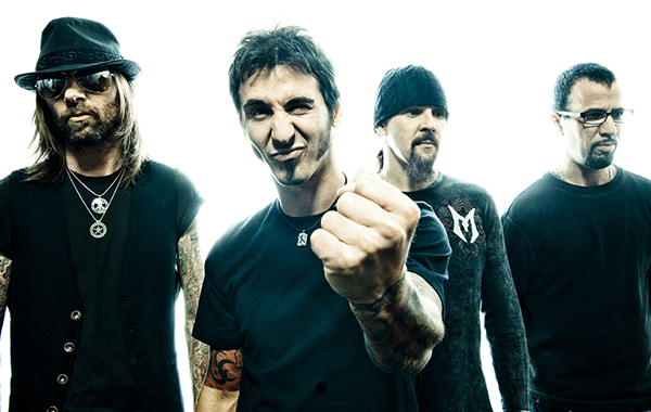 Godsmack babble on Woodstock, New England Patriots and rock music radios